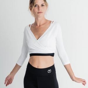 Chaqueta crop yoga